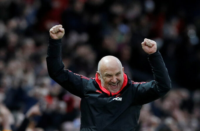 Mike Phelan signs contract extension at Old Trafford