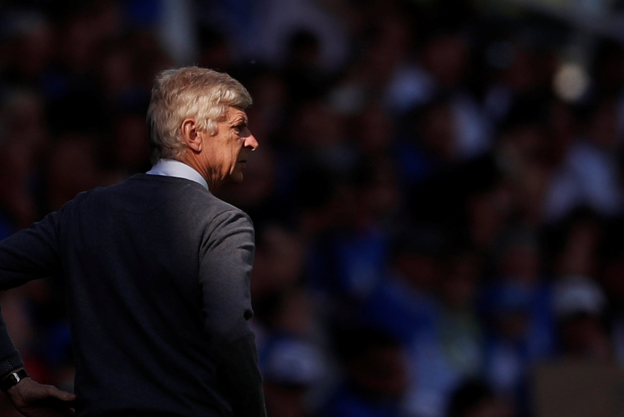 Wenger: United four players away from challenging for everything