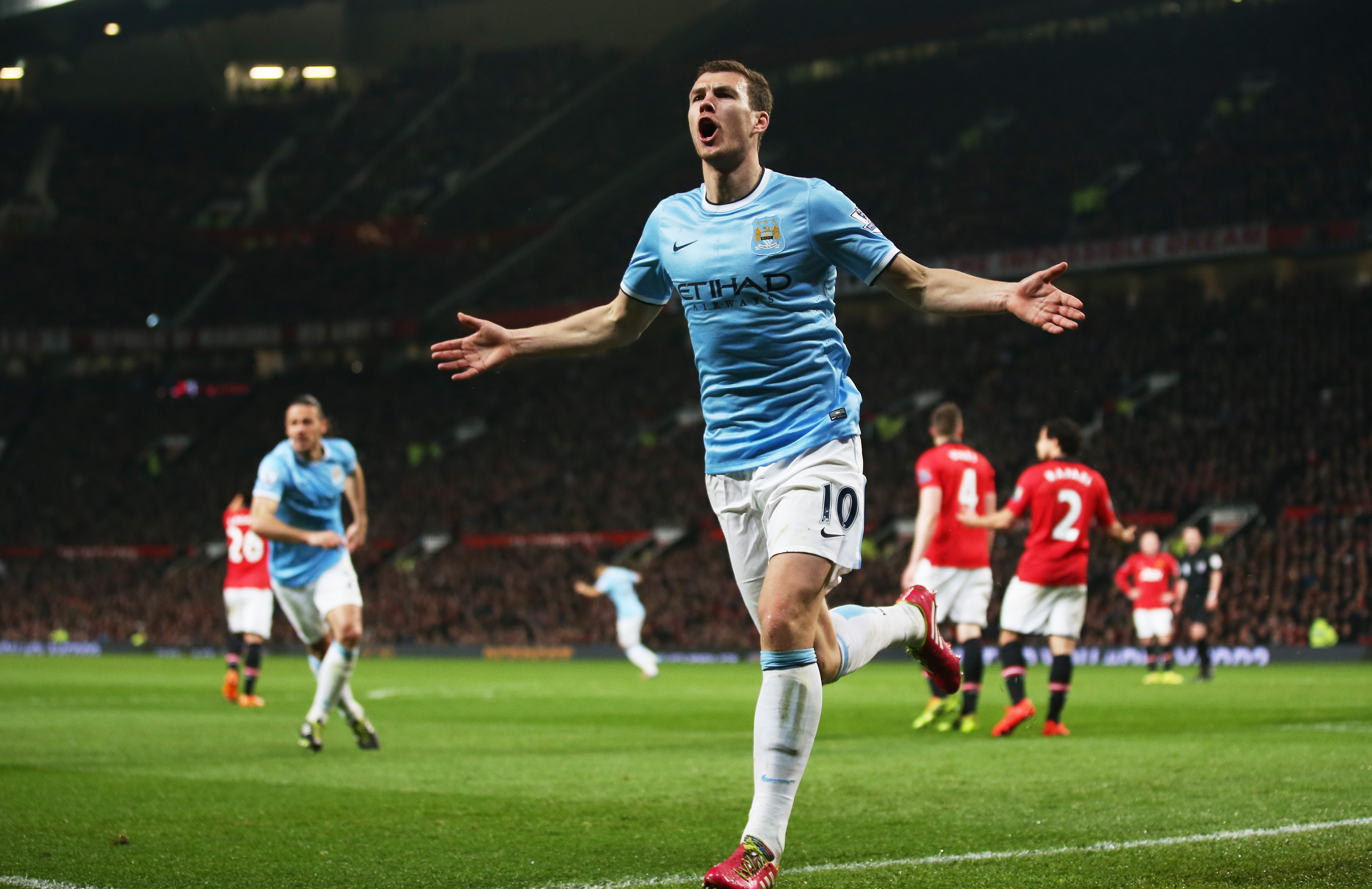 Manchester United considering move for former rival player Edin Dzeko