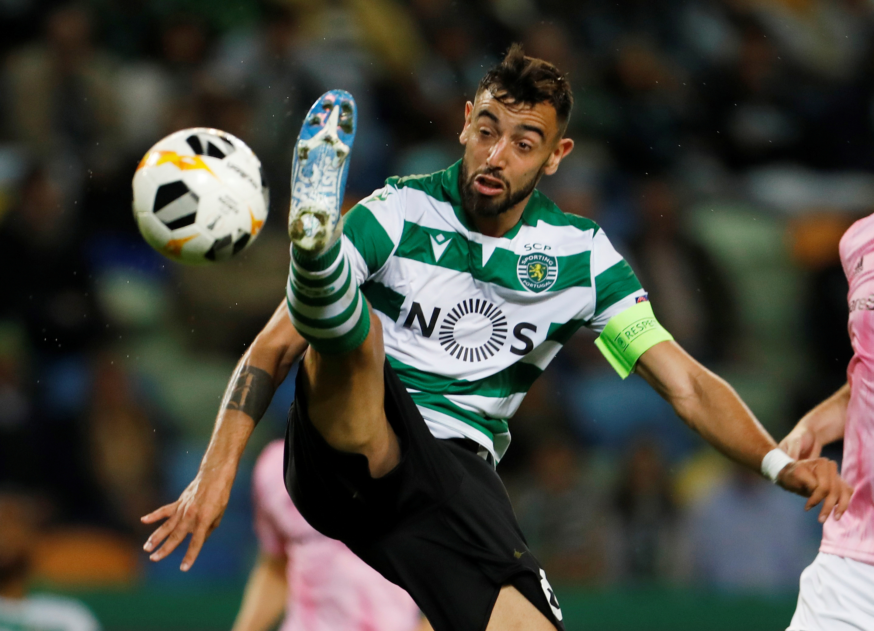 Manchester United midfield target Bruno Fernandes relaxed over Old Trafford rumors