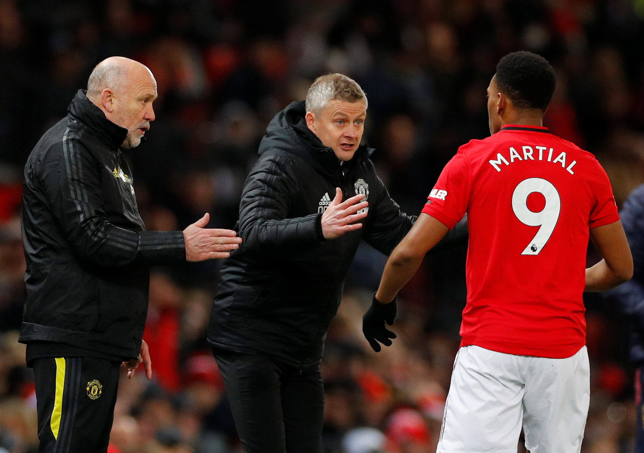 Solskjaer informs Manchester United players of possible sacking