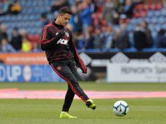 Sanchez blames Mourinho for bad form in Man United