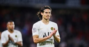 Edinson Cavani offers advice to Man United attacking trio