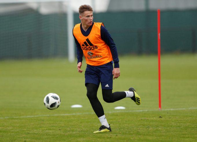 Man United urged to sign Scott McTominay partner