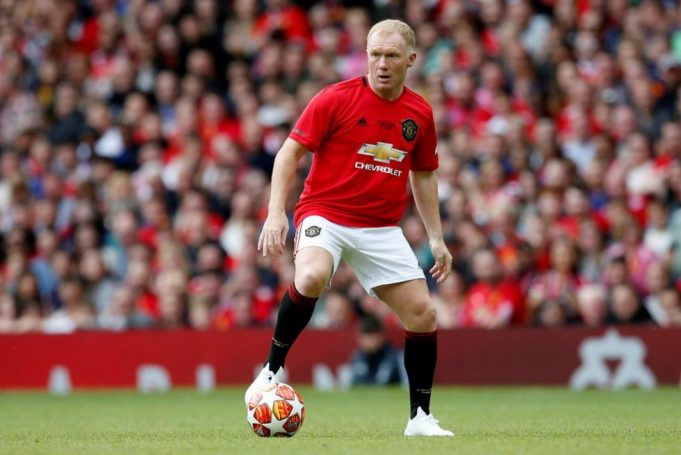 Paul Scholes urges United to sign dominant centre back