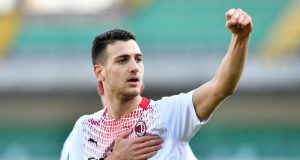 Diogo Dalot's father gives an update on his son's future at Man United