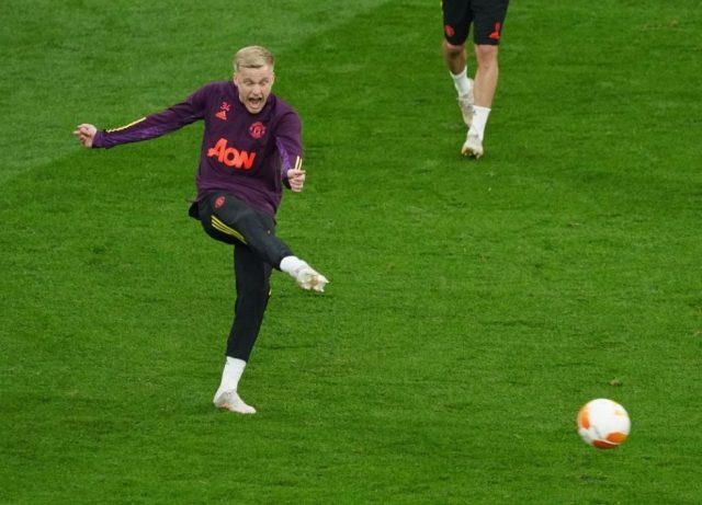 OGS speaks on Van de Beek's future amid Everton links